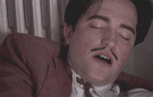 Robert Pattinson en escena sexual