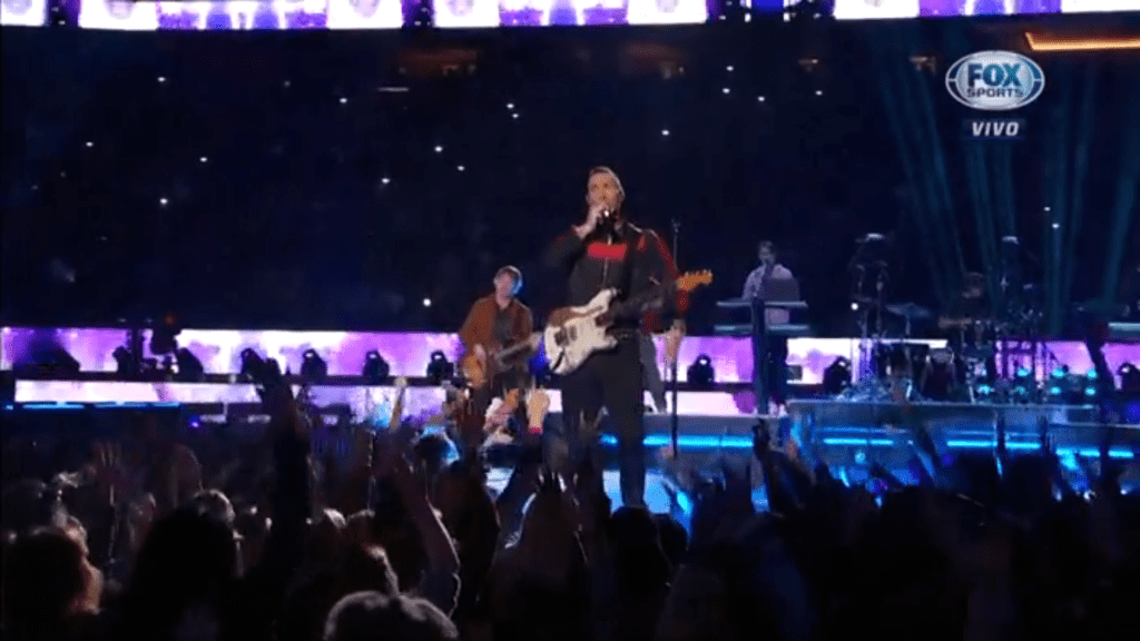 Maroon 5 en escenario