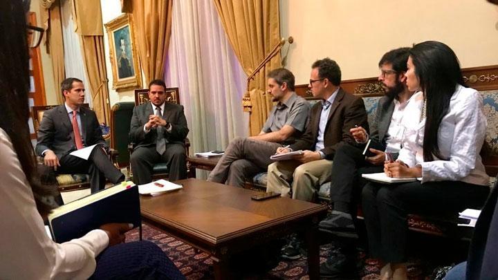 Juan Guaidó con actores de la ONU
