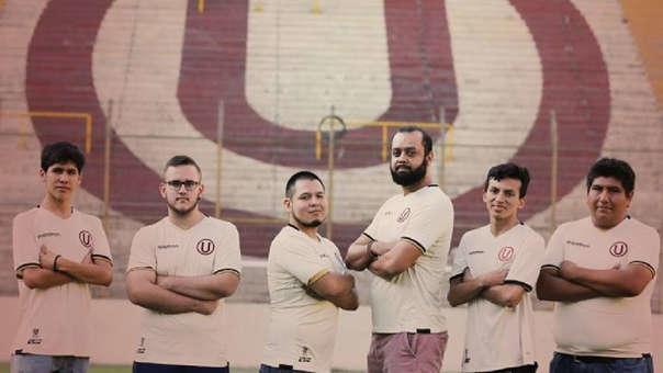 PES 2019 Universitario esports plantel