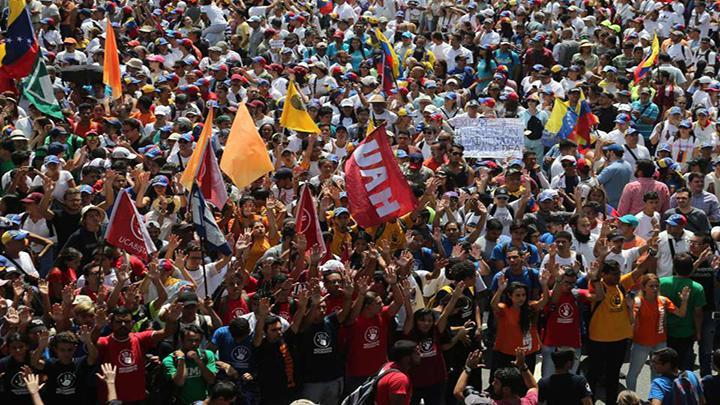 Marcha chavista en Venezuela