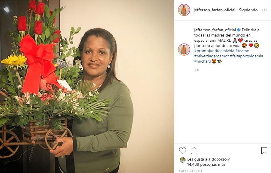 Jefferson Farfán celebra el Día de la Madre